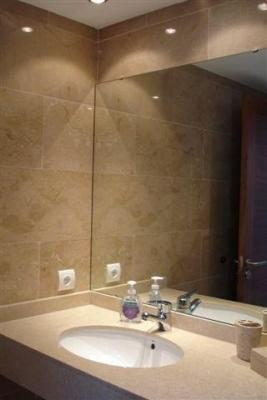 Bathroom ensuite 1
